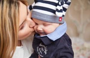 Mama mit Baby Erstausstattung Baby