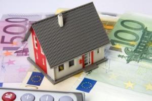 Haus und Geld zur Hausfinanzierung